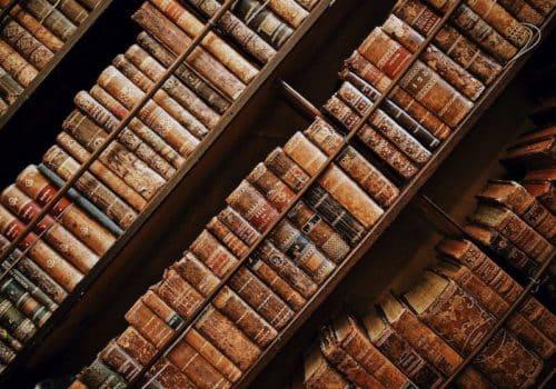 Nº4 / 2018. 15 Bibliotecas Privadas De Chile, A Cargo De Cristián Zegers