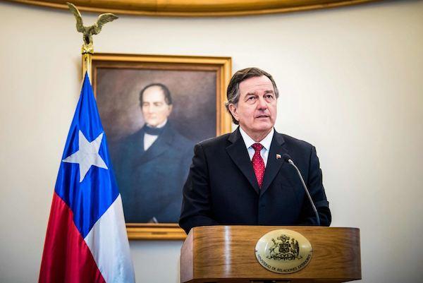 Roberto Ampuero, Ministro de R.R.E.E de Chile.