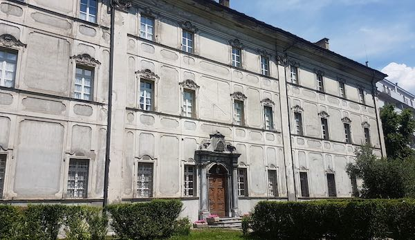 Fachada del Seminario de la Diócesis de Aosta, en Italia.