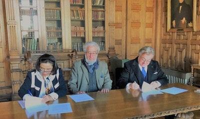 Firma del Protocolo.
