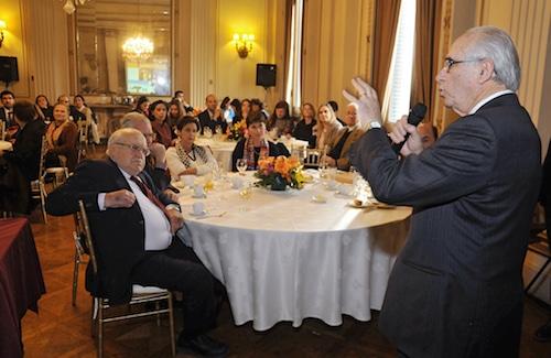 Sergio Bitar Durante Su Conferencia