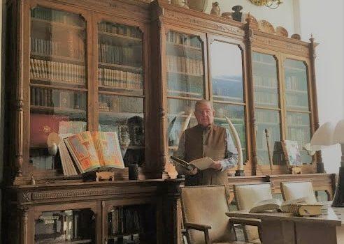 Socio Roberto Guzmán Lyon Comparte Algunos Libros Incunables De Su Biblioteca.