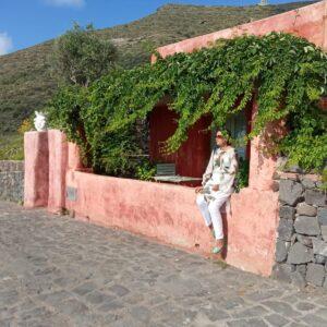 Alessandra Basso a Procida, nella casa del film.