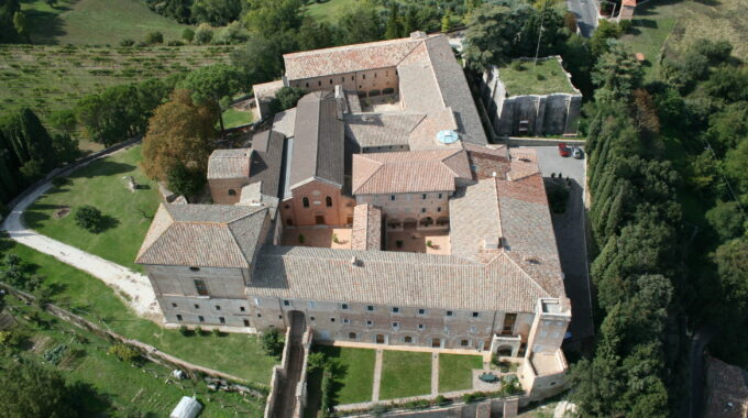 La Biblioteca Del Convento De Monteripido, Perugia, Italia.