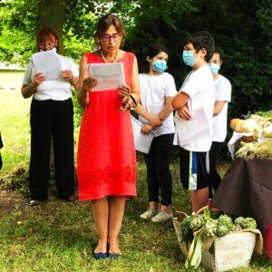 """Alessandra Basso recita """"Ode all'estate"""" di Pablo Neruda, in Italia."""