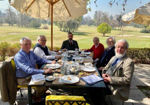 Reunión De Directorio En El Club De Golf Para Evaluar Y Proyectar El Año 2021